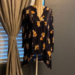 2/$15 Blu Pepper High low shirt with lace